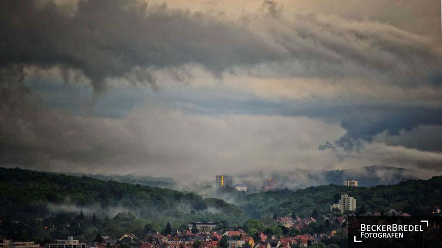 Tiefe Wolken über Saarbrücken